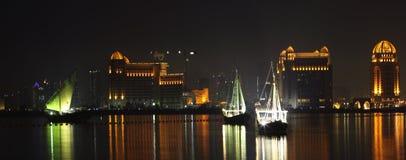 Dhows in de Baai van het Westen, Doha stock foto's