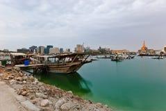 Dhows en la bahía de Doha fotografía de archivo