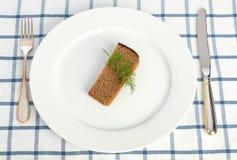 Diätkonzept (Brot und Dill auf der Platte) Lizenzfreies Stockfoto
