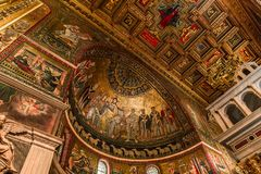Di Σάντα Μαρία βασιλικών σε Trastevere, Ρώμη, Ιταλία Στοκ Φωτογραφία