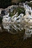 Di Казерта Reggia, Италия 10/27/2018 Монументальный фонтан со скульптурами в белом мраморе стоковое изображение