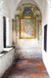 Di Павия Certosa, внутренняя деталь мать 2 изображения дочей цвета стоковые изображения