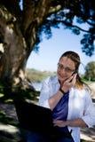 di affari lavoro della donna fuori Immagini Stock Libere da Diritti