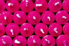 di candele colorate multi nella stanza frontale di negozio fotografia stock libera da diritti