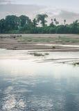 Di caricamento della sabbia fiume di Vennar fuori in Thanjavur Fotografia Stock
