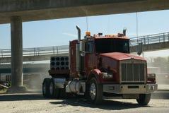 Di colore rosso carrozza del camion semi Fotografia Stock
