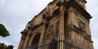 Di Constantino Roman Colosseum Outside do arco, Roma, Itália fotografia de stock royalty free