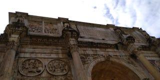 Di Constantino Roman Colosseum Outside do arco, Roma, Itália foto de stock