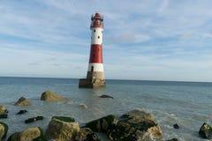 16/09/2018 di Eastbourne, Regno Unito Faro capo sassoso immagini stock libere da diritti