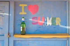 ` Di estate di amore del ` I di Collorfull, dipinto su una parete della cabina della spiaggia immagini stock libere da diritti