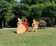 di figura di legno colorata Multi nel parco Drottningholm, Stoccolma, Svezia 02 08 2016 Immagine Stock