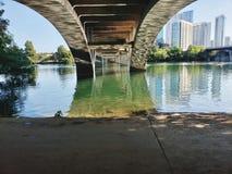 Di Lamar della st del ponte tx di Austin della città giù fotografie stock