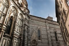 Di laterais Santa Maria del Fiore de Cattedrale da fachada, Florença, Itália Fotos de Stock