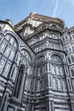 Di laterais Santa Maria del Fiore de Cattedrale da fachada, Florença, Itália 3 Imagem de Stock