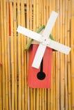 Di legno d'annata piccolo dell'aviario. immagine stock libera da diritti