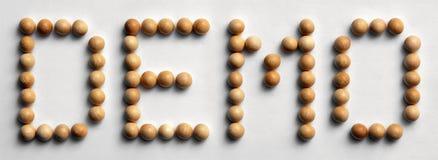 ` Di legno della dimostrazione del ` di arte di parola della puntina immagini stock