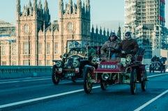 05/11/2017 di Londra, Regno Unito, Londra a Brighton Veteran Cars Run fotografia stock libera da diritti