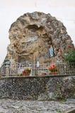 Di Lourdes Grotto di Madonna Moliterno La Basilicata L'Italia Immagine Stock