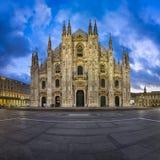 Di Milano (Milan Cathedral) e Piazza del Duomo del duomo Immagine Stock