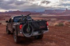 3/21/19 di Moab, Utah Toyota 2017 Tacoma che esplora i backroads di Moab, Utah immagini stock