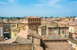 Di Modena, Italia di Castelvetro Vista della città Castelvetro ha un aspetto pittoresco, con un profilo caratterizzato dall'EMER fotografia stock