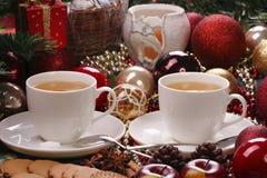 Di natale vita ancora con tè ed i biscotti Fotografia Stock Libera da Diritti