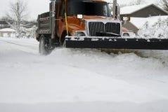 Di neve dell'aratro fine in su Immagini Stock