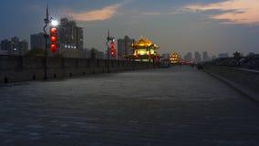 ` Di notte Xi un muro di cinta Immagini Stock