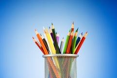 Di nuovo al concetto del banco con le matite Fotografia Stock Libera da Diritti