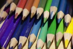 Di nuovo alla scuola disegnano a matita la macro fotografia stock