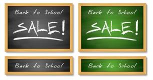 Di nuovo alle insegne di vendita della scuola Ambiti di provenienza verdi e neri di legno della lavagna Vendita che annuncia test Fotografie Stock