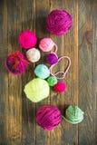 di palle colorate Multi di filato per tricottare Fotografia Stock Libera da Diritti