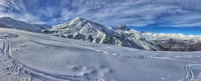 di panorama della montagna di inverno Immagini Stock
