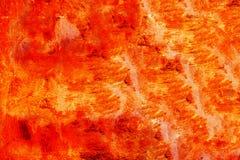 Di piastra metallica rosso artisticamente dipinto con il forte fondo di superficie metallico colourful di struttura di rosso, di  immagine stock