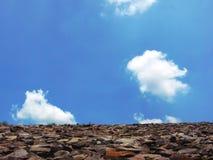 Di pietra e chiaramente cielo Fotografia Stock