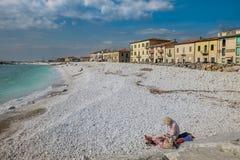 DI PISA, ITALIA - Avril 24, 2017 del PUERTO DEPORTIVO: Vista del mar y Fotos de archivo