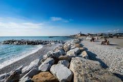 DI PISA, ITALIA - Avril 24, 2017 del PUERTO DEPORTIVO: Vista del mar y Foto de archivo libre de regalías