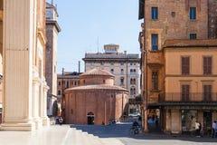 Di San Lorenzo de Rotonda en plaza en Mantua Imágenes de archivo libres de regalías