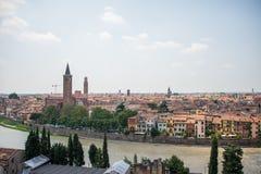 Di Santa Anastasia de la basílica en Verona, Italia fotos de archivo