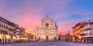 Di Santa Croce en la salida del sol, Florence Italy de la basílica Foto de archivo libre de regalías