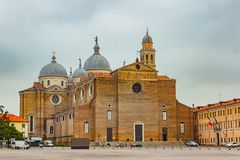 Di Santa Giustina, Padua, Italia de la basílica Imagenes de archivo