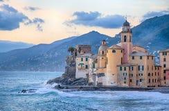 Di Santa Maria Assunta della basilica in Camogli, Genova, Italia immagine stock libera da diritti