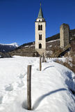 Di Santa Maria Assunta parrocchiale Chiesa с di Santa Maria Torre в городке горы Santa Maria в Calanca, Швейцарии Стоковые Изображения RF