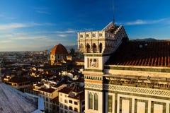 Di Santa Maria del Fiore de Cattedrale en la puesta del sol Fotografía de archivo libre de regalías