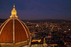 Di Santa Maria del Fiore de Cattedrale en la puesta del sol Fotografía de archivo