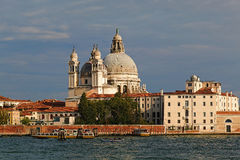 Di Santa Maria della Salute de basilique à Venise, Italie Photographie stock libre de droits
