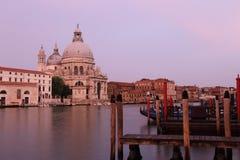 Di Santa Maria della Salute de la basílica en el canal del giudecca en Venecia Imagen de archivo libre de regalías