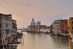Di Santa Maria della Salute de la basílica en el canal del giudecca en Venecia Fotografía de archivo