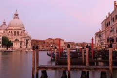 Di Santa Maria della Salute de la basílica en el canal del giudecca en Venecia Imagenes de archivo