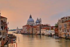 Di Santa Maria della Salute de la basílica en el canal del giudecca en Venecia Fotos de archivo libres de regalías